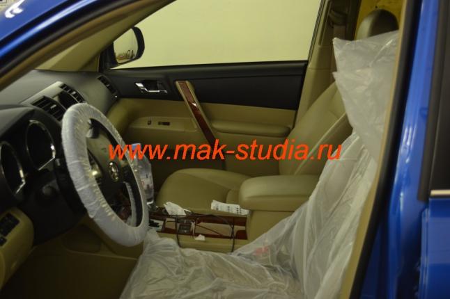 Во время установки видеорегистратора Ваш автомобиль будет укрыт защитными чехлами