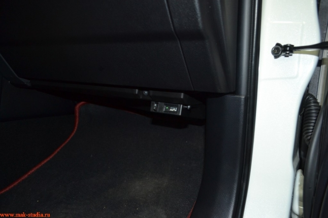 устройство съёмки на парковке(подаёт питание на регистратор в Ваше отсутствие)