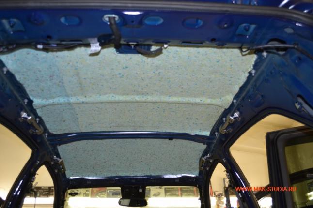 Второй слой-слой теплошумоизоляции.Станет в разы тише и тепло тне будет уходить через голое железо.