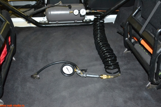 шланг 7.5 метров с профессиональным манометром для подкачки колёс и насадки