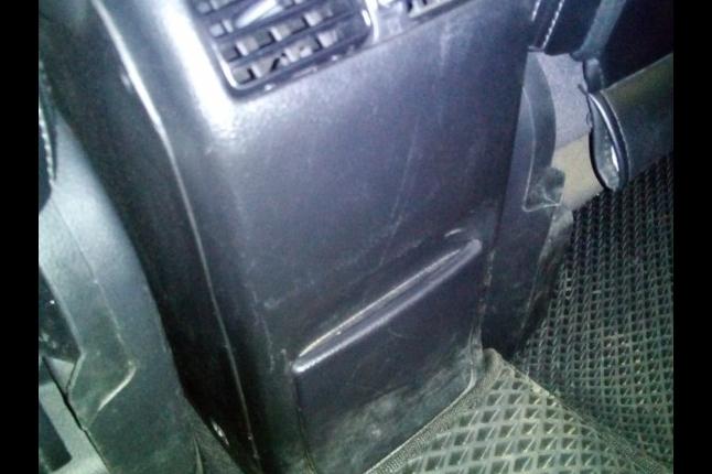 Сюда установим кнопки включения подогрева сидений