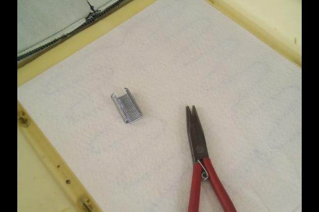 Собираем спинку, в работе используем заводские технологии и инструмент