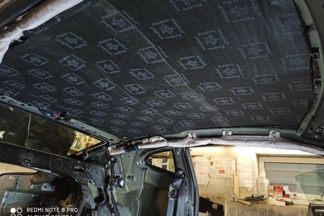 Шумоизоляция крыши Шевроле Камаро-2 слой супервойлок