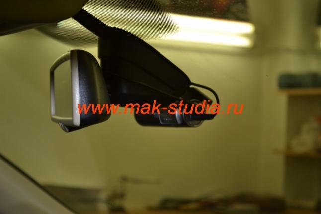Установка видеорегистратора на Touareg - общий вид