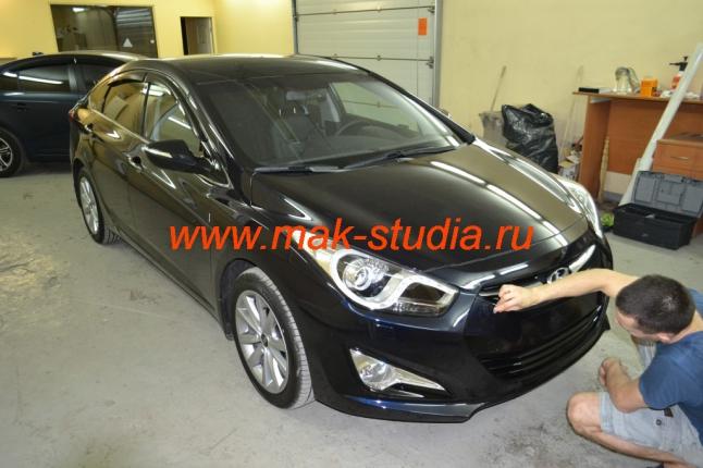 Оклейка автомобиля виниловой плёнкой - главное, чтобы кузов был идеально чистым и ровным