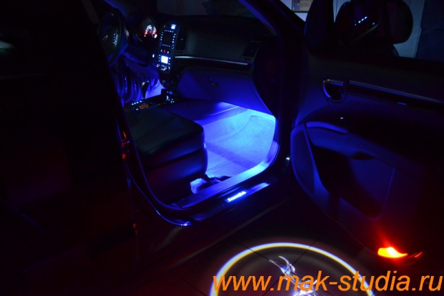 Пороги с подсветкой Hyundai