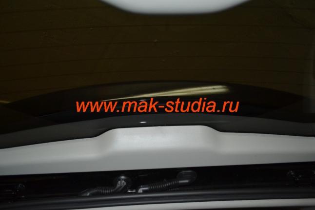 Автомобильный видеорегистратор: салон до установки (задняя часть).