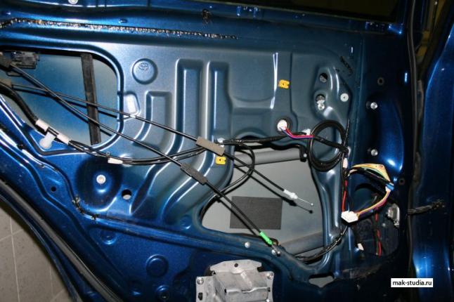 Шумоизоляция дверей Тойота Камри - вопрос делать или нет, ответ очивиден