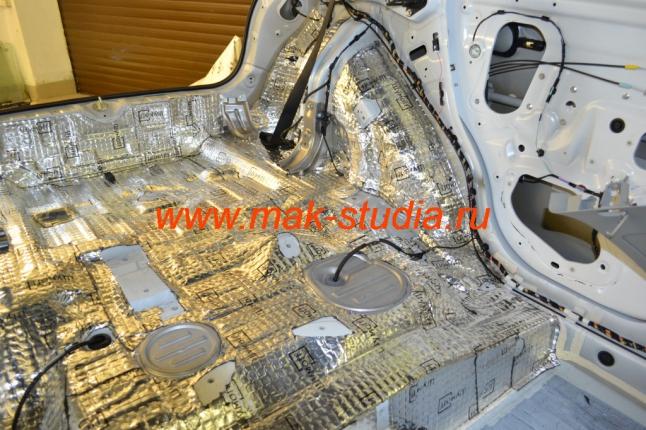 Шумоизоляция - при нанесении материалов, главное, тщательно прокатать поверхность