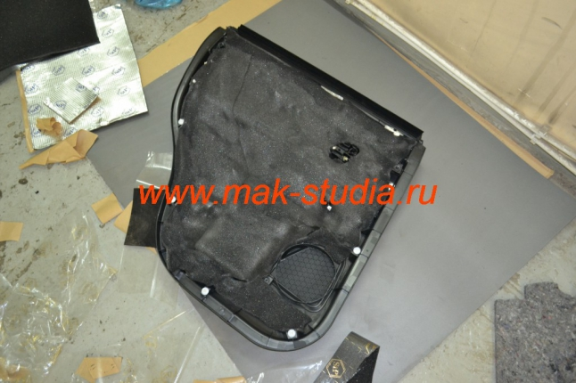 Шумоизоляция дверей автомобиля - второй слой на обшивку бипласт (теплошумоизолятор и антискрип)