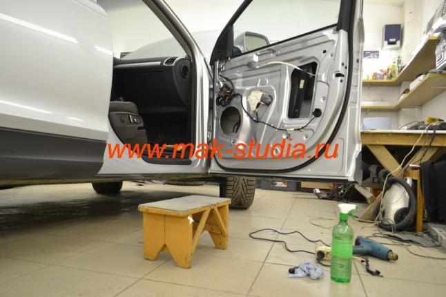 Шумоизоляция дверей автомобиля - сначала подготовка поверхности