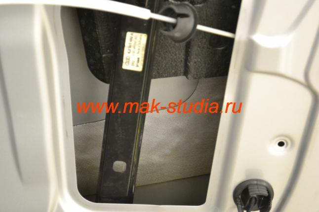 Шумоизоляция дверей автомобиля - поверхность должна быть идеально чистой
