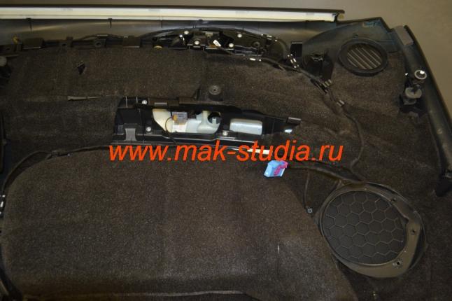 Шумоизоляция дверей автомобиля - слой битопласта (звукопоглащение до 85%)