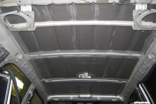 Вторым слоем клеим сплэн - шум от набегающих потоков воздуха снизится ,а тепло из машины уходить не будет