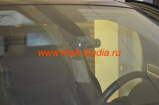 Скрытая установка видеорегистратора на Volkswagen Touareg: всё видит - всё пишет