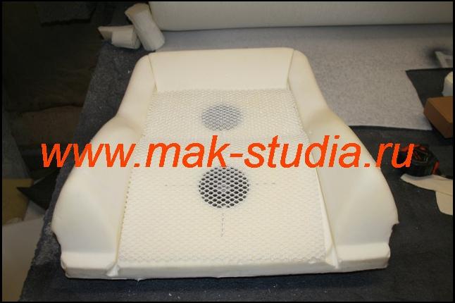 При установке вентиляции сидений используем специальную прокладку