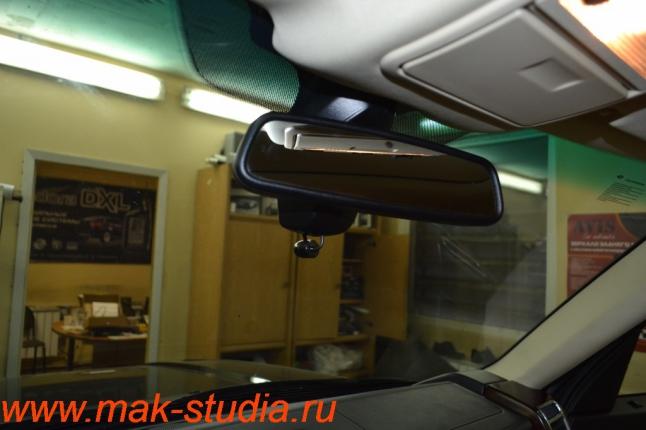 Видеорегистратор Intro sdr-g40: камера переднего вида совсем не заметна