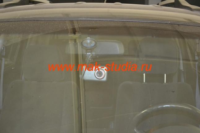 Скрытая установка видеорегистратора на автомобиль Hyundai Santa Fe.\