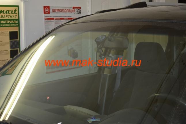 Скрытая установка видеорегистратора на автомобиль Хундай Санта Фе Классик