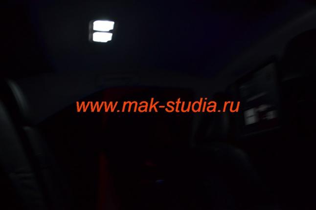 Замена ламп освещения салона машины