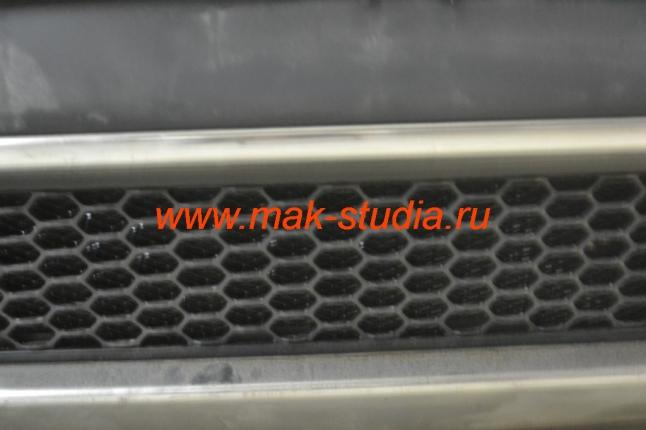 Защитная сетка радиатора внизу