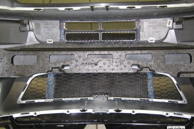 Снимаем бампер и крепим защитную решётку радиатора изнутри
