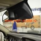 Видеорегистратор Blackvue dr550gw установлен на лобовое стекло.