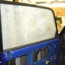 При этом стекло осталось в проёме и продолжает нести свои защитные функции
