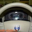 Камера заднего вида на Вольво - короткое нажатие на кнопку и монитор готов к работе
