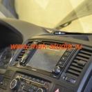 Штатное головное устройство MYDEAN на Volkswagen Multivan.