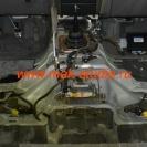 Шумоизоляция автомобиля - чтобы материал плотно лёг, необходимо всё тщательно очистить