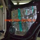 Шумоизоляция дверей автомобиля - второй слой (внутрь) сплэн и третий вибропласт на среднюю часть