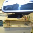 Blackvue DR500GW расположился за зеркалом.