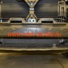 Огромный радиатор совершенно беззащитен